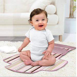 Baby Munchkin Designer Diaper Change Kit Portable